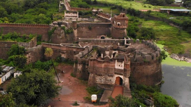 औसा का भव्य किला