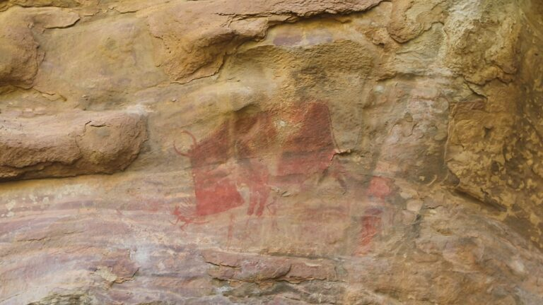 भीमबेटका के प्राचीन रॉक शेल्टर