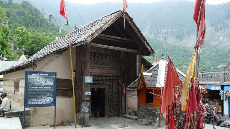 भरमौर का प्राचीन लखना मंदिर
